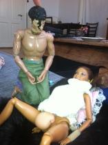 Barn af en jordemoder :) min datter leger med Barbie og selvfølgelig skal hun lige føde, med en skøn hjælpsom far ved sin side