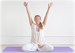 2010--Yogastilling-farve-188