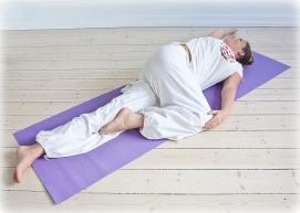 2010--Yogastilling-farve-239